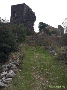 La montée vers le château